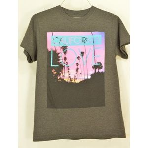 Young & Reckless Tops - T-shirts lot of 4 SZ S California Los Angeles them